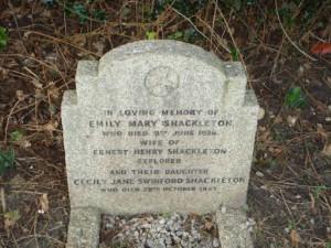 Shackleton grave 2 - St Giles Church - Coldwaltham