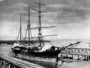 StateLibQld_1_149231_Empress_of_China_(ship)